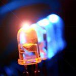 Alimentar diodos LEDs con corrientes bajas